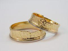 str5780-trouwring-goud-ring-bicolor-witgoud-edelsmid-edelsmeden-handgemaakt-www.tonvandenhout.nl-trouwen-geelgoud-bijzonder
