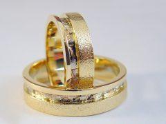str5815-trouwring-goud-ring-bicolor-witgoud-edelsmid-handgemaakt-edelsmeden-www.tonvandenhout.nl-roermond-uniek-bijzonder