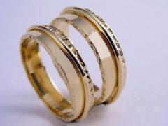 str7219-trouwring-goud-sieraden-www.tonvandenhout.nl-origineel-bijzonder-handgemaakt-juwelier-trouwen-edelsmid-goudsmid