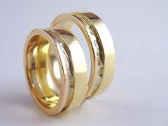 str7409-edelsmid-trouwringen-handgemaakt-edelsmeden-www.tonvandenhout.nl-bicolor-goud-witgoud-rosegoud-sieraden-bijzonder-tricolor
