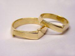 str81-edelsmid-trouwringen-handgemaakt-edelsmeden-www.tonvandenhout.nl-sieraden-goudsmid-bijzonder-goud-uniek-juwelier-origineel