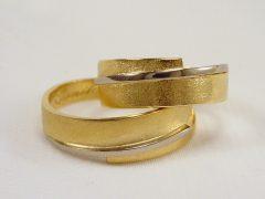 str94-bicolor-goud-witgoud-edelsmid-handgemaakt-www.tonvandenhout.nl-goudsmid-sieraden-trouwring-origineel-uniek-juwelier-ring