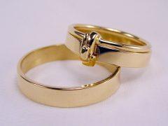 str95-trouwring-aanschuif-goud-trouwringen-ring-edelsmid-juwelier-overzet-www.tonvandenhout.nl-goudsmid-sieraden-juwelier-origineel-bijzonder-uniek-geelgoud