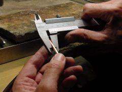 sre299-atelier-werkplaats-edelsmid-repareren-reparatie-www.tonvandenhout.nl-goudsmid-juwelier-schuifmaat-sieraden-roermond-goud-zilver-werkbank-handgemaakt-uniek-bijzonder