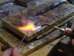 sre327-atelier-edelsmid-goudsmid-juwelier-repareren-reparatie-www.tonvandenhout.nl-sieraad-sieraden-roermond-werkplaats-solderen-handgemaakt-uniek-ontwerp-bijzonder-smeden
