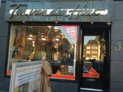 ssm1811-etalage-sinterklaas-sint-edelsmid-sieraden-cadeau-www.tonvandenhout.nl-roermond-goud-zilver-bicolor-ring-horloge-goudsmid-juwelier-markt-edelsmeden-pakjesavond-5december