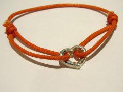 ssm8789-armband-lief-hartje-herinnering-zilver-love-handgemaakt-koord-edelsmid-www.tonvandenhout.nl-sieraden-atelier-roermond-sieraad-liefde-goudsmid-vandenhout-ton-ambacht-hart