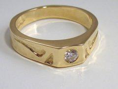 ssm9799-vaderdag-ring-goud-briljant-edelsmid-www.tonvandenhout.nl-edelsmeden-zegelring-roermond-goudsmid-goudsmeden-handgemaakt-sieraden-origineel-heren-zegel-bijzonder