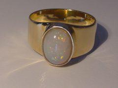 ssm9821-ring-opaal-steen-goud-handgemaakt-edelsmid-www.tonvandenhout.nl-roermond-goudsmid-juwelier-edelsmeden-sieraden-uniek-origineel-bijzonder-tvdh-atelier-smid-sieraad