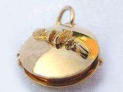 sg207-medaillon-goud-hanger-gedenken-herinnering-foto-haarlok-edelsmid-www.tonvandenhout.nl-handgemaakt-sieraden-as-gedenksieraad-vingerafdruk-juwelier-bijzonder-origineel