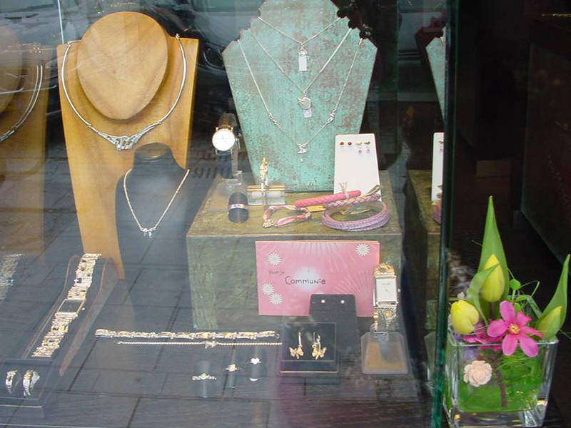 sn64 communie sieraden TvdH cadeau-sieraad-zilver-hanger-armband-oorbellen-katholiek-edelsmid-handgemaakt-www.tonvandenhout.nl-goudsmid-juwelier-roermond-origineel-bijzonder-sieraden-goud-kruis