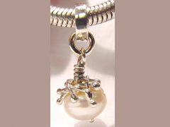 sp2968-parel-parels-zilver-sieraad-sieraden-hanger-handgemaakt-edelsmid-www.tonvandenhout.nl-edelsmeden-juwelier-goudsmid-roermond-atelier-eenmalig-uniek-persoonlijk-bedel