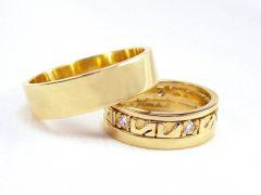 str69-3delig-trouwringen-edelsmid-sieraden-briljant-alliance-www.tonvandenhout.nl-goudsmid-handgemaakt-origineel-goud-ring-aanschuif-diamant-uniek-roermond-juwelier-strak-glad