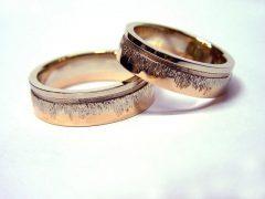 str26-trouwring-edelsmid-trouwringen-handgemaakt-bicolor-witgoud-edelsmeden-www.tonvandenhout.nl-rosegoud-roodgoud-juwelier-ring