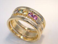 sg1610-ring-goud-gedenken-korund-steen-saffier-trouwring-herinnering-sieraad-aandenken-edelsmid-www.tonvandenhout.nl-juwelier-handgemaakt-uniek-origineel-bijzonder-ontwerp-kleur