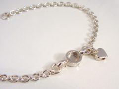 sg476-gedenken-as-hartje-zilver-armband-bedel-hart-www.tonvandenhout.nl-herinnering-sieraad-handgemaakt-edelsmid-goudsmid-juwelier-uniek-bijzonder-schakel-sieraden-urn