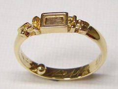 sg2008-ring-epoxy-gedenken-haar-haren-goud-urn-as-herinnering-edelsmid-www.tonvandenhout.nl-goudsmid-handgemaakt-origineel-bijzonder-uniek-edelsmeden-roermond-aandenken-juwelier