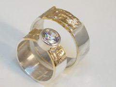 str2594-trouwringen-bicolor-briljant-zilver-goud-handgemaakt-origineel-uniek-www.tonvandenhout.nl-edelsmid-juwelier-goudsmid-sieraden-ring-ringen-atelier-trouwen-huwelijk-ontwerp
